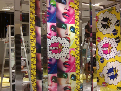 成都喷绘公司--6.油画布喷绘 油画布分类: 化纤油画布喷绘,纯棉油画布喷绘,唐卡油画布喷绘